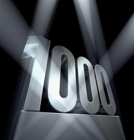 numero uno: N�mero 1000 n�mero uno mil en letras de plata sobre una plata pedestal  Foto de archivo