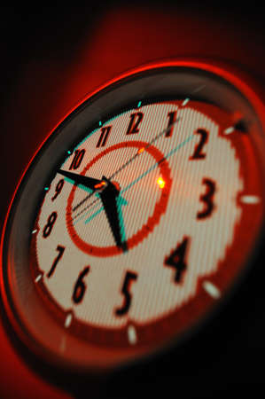 timekeeping: Alarm clock Alarm clock in red with analogue figures