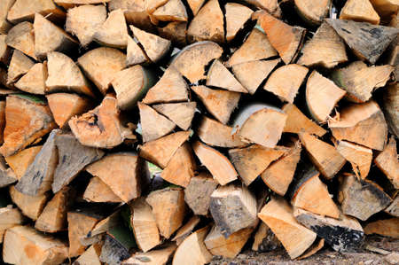 Brennholz Ein Stapel Bauholz Brennholz Standard-Bild - 10766379