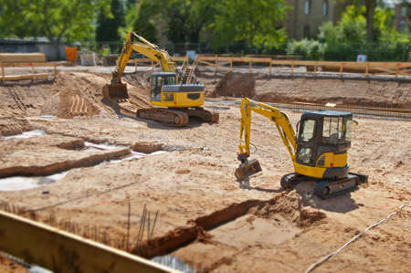 fondation de chantier avec pelle