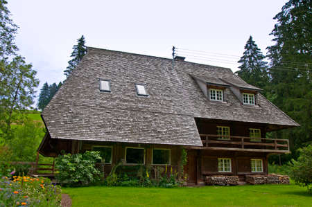 well maintained: Schwarzwald black forest house