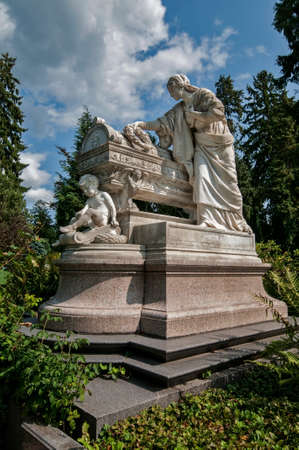 nobleness: Gravesite with art nouveau sculpture, darmstadt, germany Stock Photo