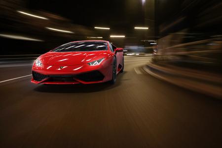 Lamborghini Huracán op witte achtergrond