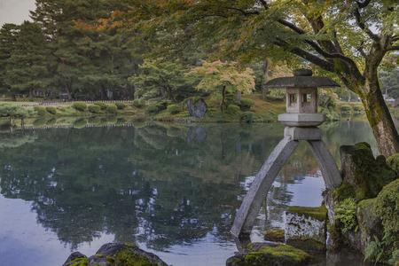 japan lake lantern