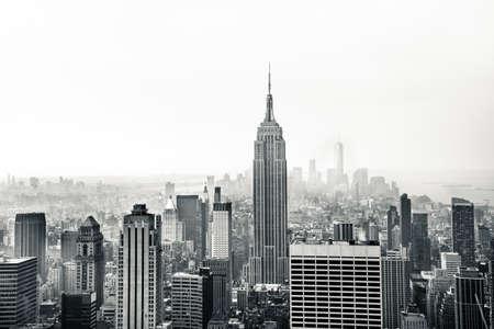 blanco y negro: La ciudad de Nueva York vista aérea Foto de archivo