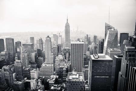 fondo blanco y negro: La ciudad de Nueva York vista aérea Foto de archivo