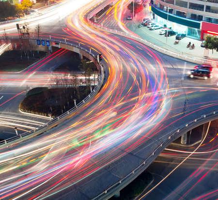 le trafic sur la jonction dans la ville