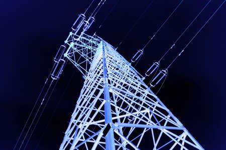 torres de alta tension: de alta tensión post.High tensión torre de fondo del cielo.