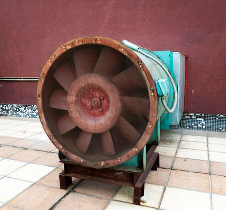exhaust gases: a large electric motor to drive the fan exhaust gases on the shadow stack