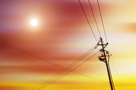 torres de alta tension: puesto de alto voltaje de alta tensión de la torre del cielo de fondo Foto de archivo