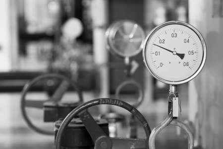 thermom�tre industriel dans la chaufferie Banque d'images