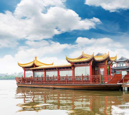 Traditional ship at the Xihu (West lake), Hangzhou, China Stock fotó