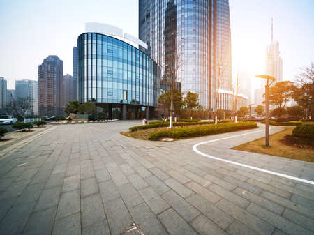 중국 상하이 루자 쭈이 금융 센터의 현대적인 건물