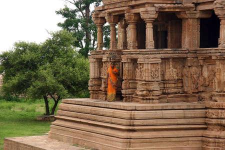 khajuraho: Templo cerca de Khajuraho de la India