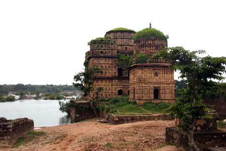 funerary: Funerary monument in Orchha, India