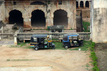 Taxi typical of India in Orchha photo