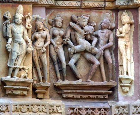 Szczegóły dotyczące erotyczna rzeźba w jednym z świątynie z Khajuraho, Indie Zdjęcie Seryjne - 3606443