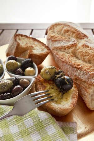 Close up di pane con le olive