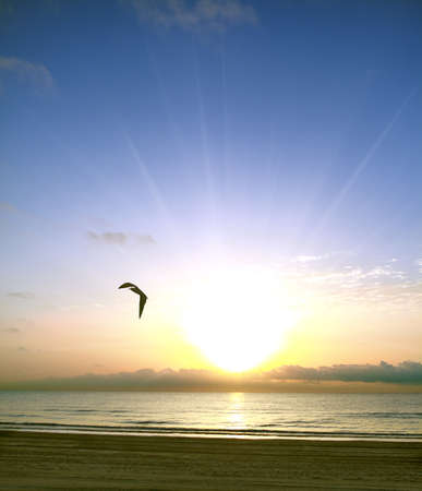 Colorful alba sul mare Mediterraneo