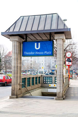 Berlin, BerlinGermany - 23.03.2019: The entrance of the underground station Theodor-Heuss-Platz in Berlin down to the railway tracks. 報道画像