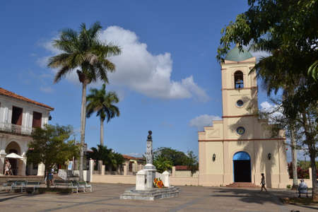 plaza: plaza