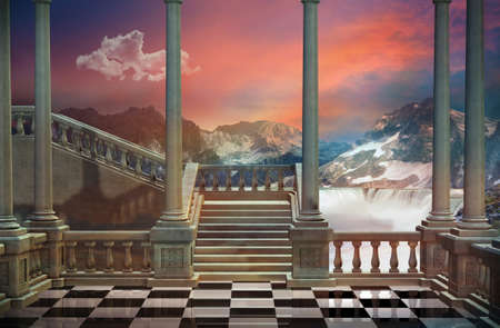 Gezicht op een kasteel balkon en een prachtig landschap met bergen en waterval Stockfoto