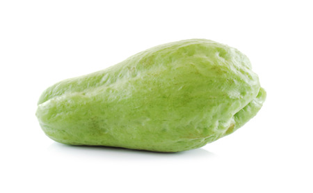 Chayote isolated on white background Foto de archivo - 91586736