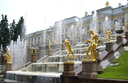 Big Cascade - fountain in Petrodvorets, Saint Petersburg, Russia Stock Photo - 8413479