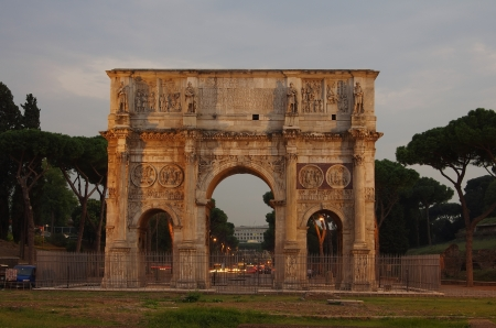 constantine: Arch of Constantine in the ancient Roman forum area, Italy Stock Photo