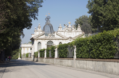 Villa Borghese - beautiful park in the historical center of Rome, Italy 免版税图像 - 28067474