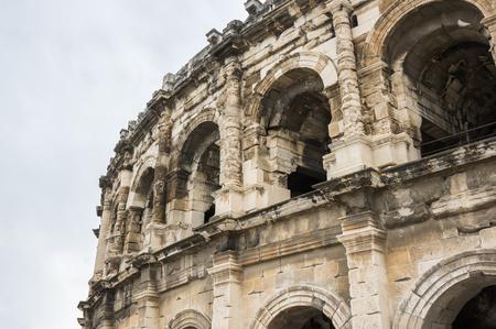 corrida de toros: Antiguo teatro romano (Arena) de Nimes. Nimes es una ciudad famosa y muy popular entre los turistas en Provenza, en el sur de Francia