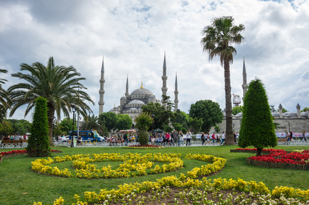 camii: ISTANBUL, TURKEY - JUNE 19, 2015: Sultan Ahmet Mosque (Turkish: Sultan Ahmet Camii), is a historic mosque in Istanbul, Turkey. The mosque is popularly known as the Blue Mosque for the blue tiles adorning the walls of its interior Editorial