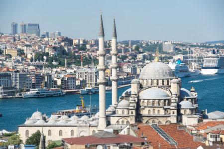 eminonu: ISTANBUL, TURKEY - JUNE 20, 2015: New Mosque in the Eminonu district in the city of Istanbul, Turkey
