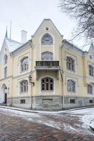 tallin: TALLINN, ESTONIA - FEBRUARY 23, 2016: Street of Old Town in Tallinn, Estonia. Old Town is listed in the UNESCO World Heritage List