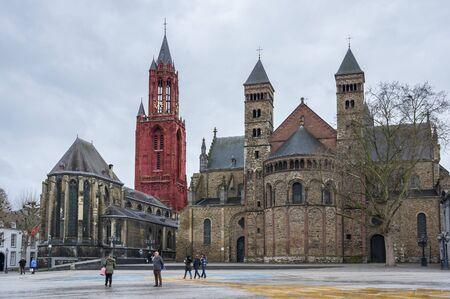 대성당의 세인트 Servatius 로마 카톨릭 교회 세인트 Servatius, 마스 트리 히트, 네덜란드의 도시에서 전용 스톡 콘텐츠