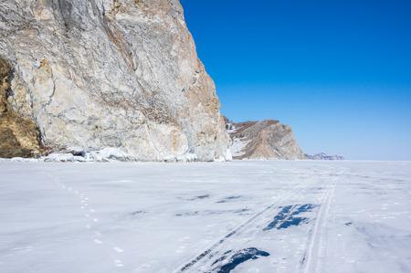 The coast of Olkhon Island on Lake Baikal in winter, Siberia, Russia Banco de Imagens - 122482149