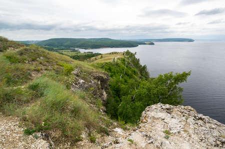 Panoramic view of Zhiguli mountains in Samara region, Russia 免版税图像 - 158854546