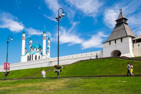 KAZAN, RUSSIA - JULY 17, 2018: Panoramic view of the Kazan Kremlin and the Kul Sharif Mosque, Kazan, Republic of Tatarstan, Russia 新闻类图片