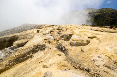 The crater of Ijen volcano in East Java, Indonesia 免版税图像