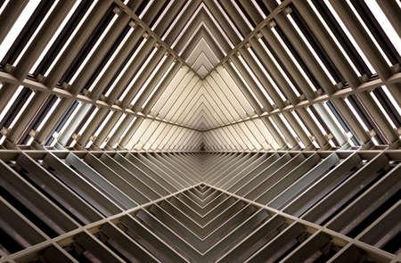Estructura metálica simelar al interior de la nave espacial Foto de archivo - 42996794
