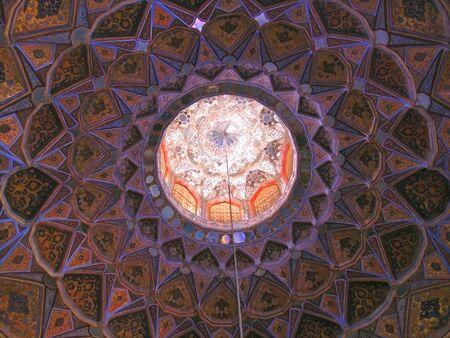 oriental circular architecture pattern