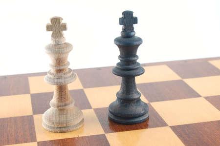 gamesmanship: Algunos pieza aislada en un fondo blanco. Foto de archivo
