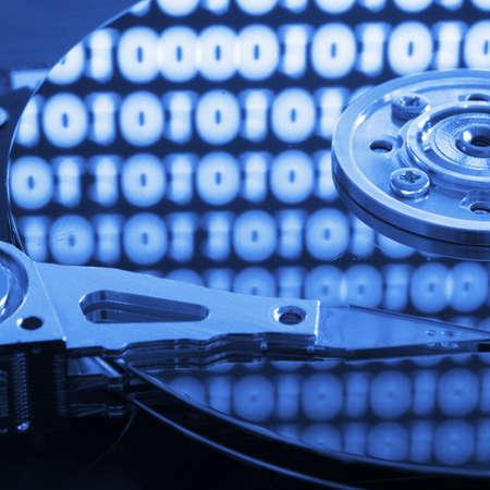 disco duro: duro del ordenador con los datos digitales de Internet