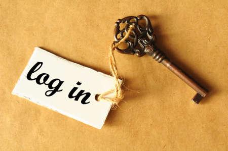 Ouvrez une session dans internet concept avec la clé et le label Banque d'images