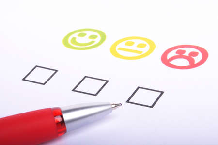 satisfaction client: questionnaire de satisfaction client affichant le concept marketing ou commerciale