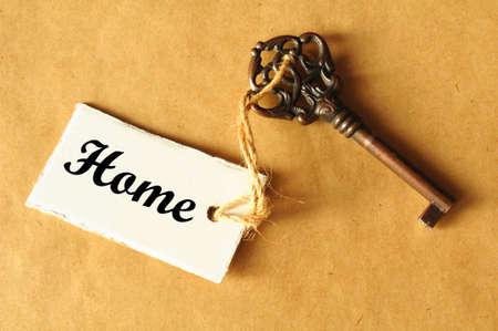 property insurance: clave para su nuevo concepto de bienes ra�ces de casa mostrando