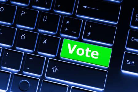 encuestando: concepto de elecciones con voto clave mostrando encuesta de sondeo o de voto