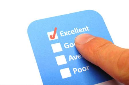 checkbox: sondaggio dei consumatori con la casella di controllo questionario per migliorare le vendite