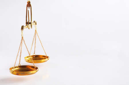 スケールまたは司法か法的概念を示す copyspace のスケール 写真素材