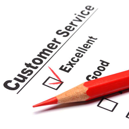 ottimo: CheckBox e rosso penna visualizzando cliente servizio sondaggio soddisfazione concetto o per migliorare le vendite